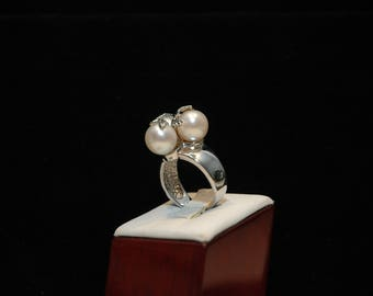 925 Sterling Silver ring Triple Pearl