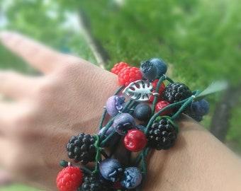 Playful berry bracelet