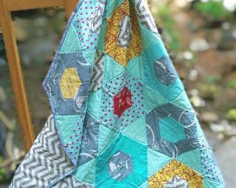 Hexagon Shaped Patchwork Play Quilt/Nursery Decor