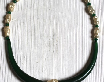 Vintage green bakelite and glass pearl necklace
