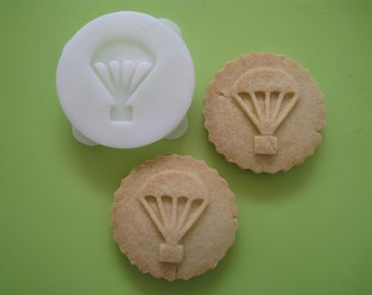 PARACHUTE COOKIE STAMP recipe and instructions - make your own hunger games inspired cookies