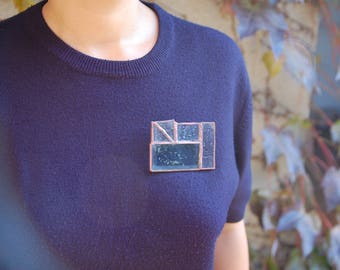 Geometric brooch