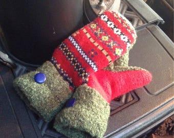 Sweater mittens, ladies medium