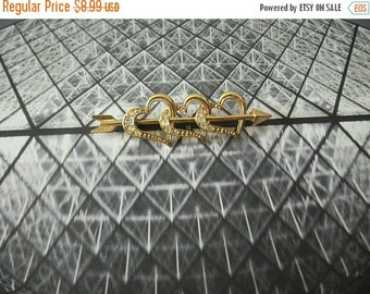 ON SALE Vintage AVON Gold Tone Arrow Hearts Clear Rhinestones Pin 82516