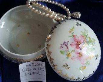 Sweet Limoges porcelain box 1950