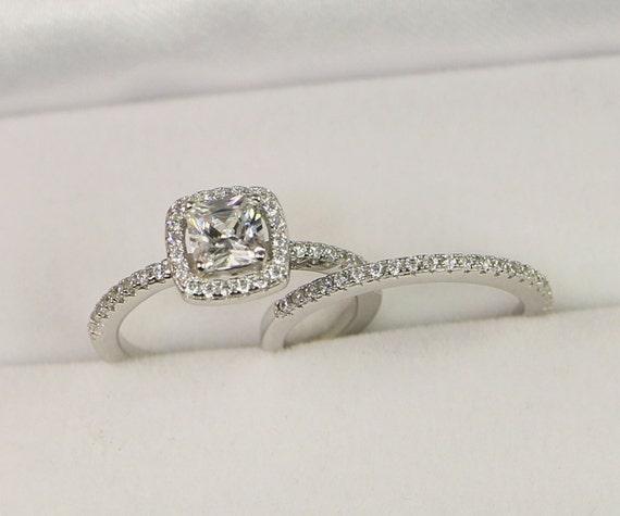 Wonderful Halo Engagement Ring Wedding Ring Set Sterling Silver