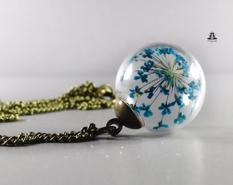 Necklace - Queen Anne's lace (dill) flowers blue in a glass bead - flower