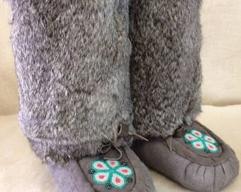 Women's Size 6 Mid Calf Native American Mukluks