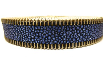 Leather stripe blue closure silver metal 20 mm, sold by 20 cm zip
