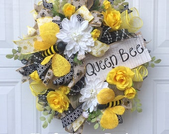 Very Large Bumble Bee Wreath, Spring Wreath, Summer Wreath! Gift for Mom, Yellow Roses, Door decoration, Welcome Wreath