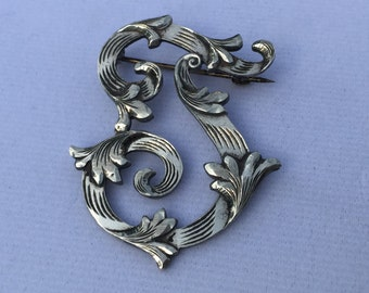 """A beautiful Sterling silver vintage and stunning namesake large letter """"J"""" alphabet pin by Plafina."""