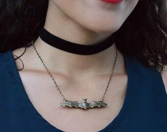 Bat Necklace, Bat Jewelry, Bat Pendant, Halloween Jewelry, Bat, Halloween Necklace, Vampire Necklace, Halloween Bat, Gothic Jewelry N119
