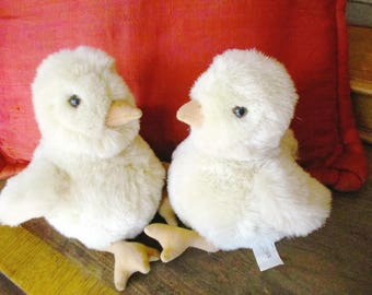 Plush Stuffed Chick E&J Prima Classic Collection Easter Basket Home Decoration 9 inches Tall