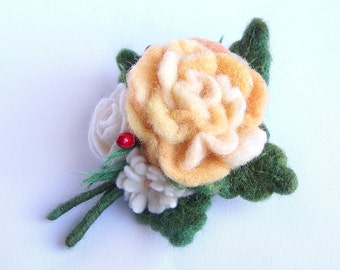 Yellow rose bouquet brooch pin Multicolor green, white, yellow Bright accessory Elegant Wedding accessory jewelry Flower floral pin