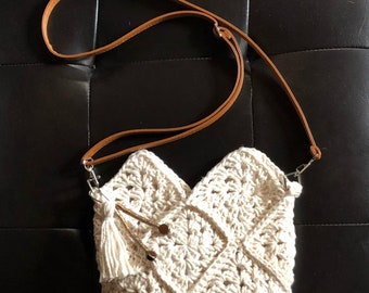 Crochet Ivory Crossover Purse
