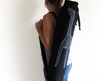 Unisex black yoga mat bag crossbody backpack giraffe, canvas yoga mat bag men gift, black linen yoga wear bag, black crossbody pilates bag