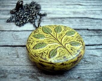 Green Botanical Pebble Pendant Necklace - Symmetry