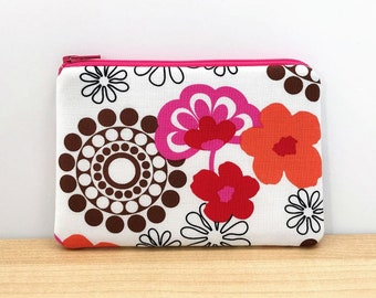 Pink flowers fabric coin purse - zipper wallet pouch - floral print change purse - small gift ideas for women - pouch with pockets