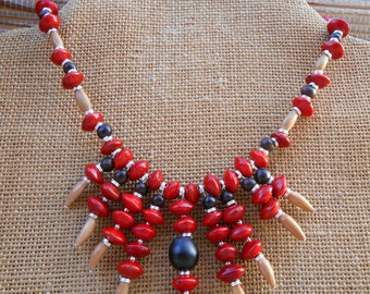 Tropical star necklace / / red straw.