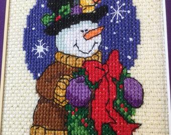 Bonhomme de neige avec noeud