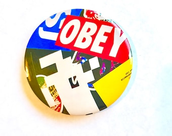 Pin button - obey/spave invader sticker art