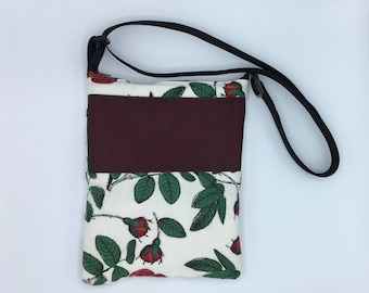 Deluxe Carry Bag, Waterproof, Red Roses on White, for Hedgehogs, Sugar Gliders, Rats, and other Small Animals