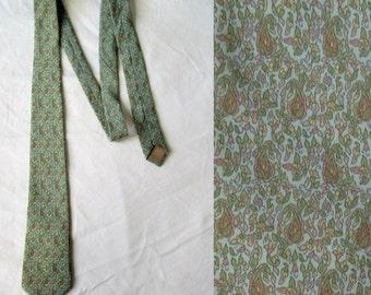Mens silk tie cravate, paisley floral patterned, pastels turquoise blue green, french vintage retro cravat