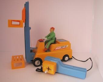 Vintage Forklift MT-01