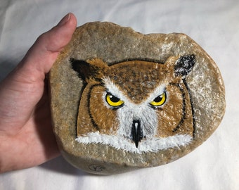 Great Horned Owl Painting / Owl Rock Painting / Painted Rocks