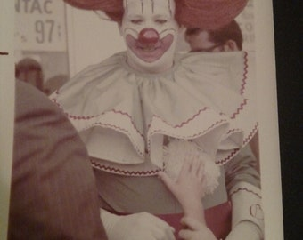 """Vintage 1950's or 60's Original photo of a Creepy Clown 3""""x 5"""" in Vg, condition not a reprint ! Looks kinda like Pennywise"""