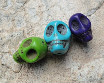 3 x Pearl skull skull mutlicolore howlite mix