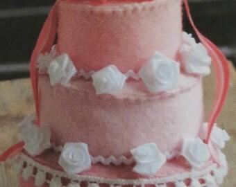 Feast Cake by Baize DIYpakket