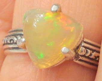 Sz 7,Welo Opal, Sterling Silver Ring,Ethiopian Color Play Opal,Orange,Green, Yellow, Mystical Stone,Natural Gemstone,Rainbow Gem,Ornate Ring