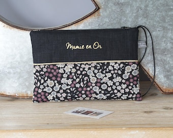 Pouch to be personalized in black linen and faux gold mother of the Grandma