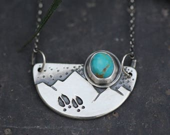 Moose Tracks Necklace. Turquoise. Sterling Silver. 17 inch chain.
