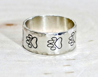Paw Print Sterling Silver Ring with Hammered Borders - RG542