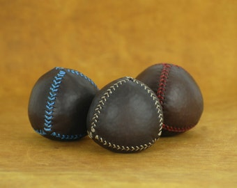 Set of 3  leather juggling balls (4 piece), leather balls, gift for jugglers, professional juggler, circus, handmade balls, chocolat leather