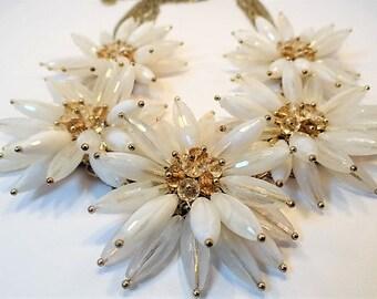 Tara White Flower Necklace