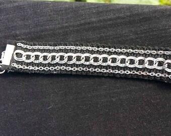 Chain & Felt bracelet