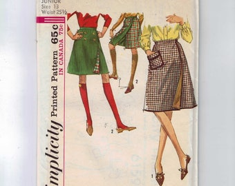 1960s Vintage Sewing Pattern Simplicity 6159 Misses Reversible Lined A Line Skirt Shorts Size 13 Bust 33 60s