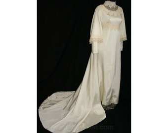 Size 6 Bridal Dress - Fanciful Lace & Satin Vintage Wedding Gown - Romantic Sleeves - Antique Style - Attached Train - Bust 34.5 - 32772