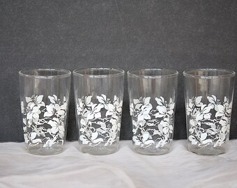 Vintage Juice Glasses - White Hibiscus Decor - Retro Juice Glasses - Small Glasses - Vintage Glassware - Tropical Decor - Vintage Kitchen -