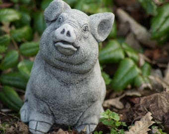 Sitting Pig/Piglet Stone garden Ornament Statue Home Decor patio Gift