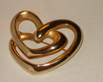 Vintage Signed FO Double Finish Gold Tone Swirling Heart Brooch/Pin