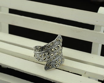 Sterling Silver leaves  ring-size 8