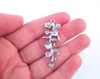6 floral flower branch pendant silver plated, LAST IN STOCK, D28