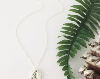 Tree necklace, silver tree necklace, leaf necklace, plant necklace, nature jewelry, dainty necklace, nature jewellery, vintage jewelry