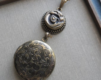Daisy Leigh, Locket Necklace with Antique Button