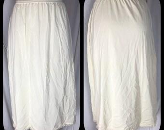 Shadowline Off White Half Slip with Lacy Hem - Size Large