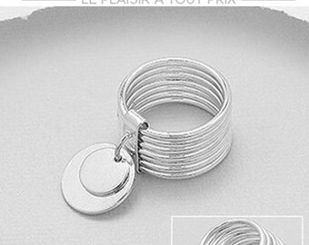 Large sterling silver ring 925/100 th 7 rings and 2 pendants